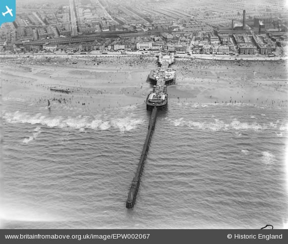 Blackpool Central Pier from above in 1920. Photo: Britain from Above website
