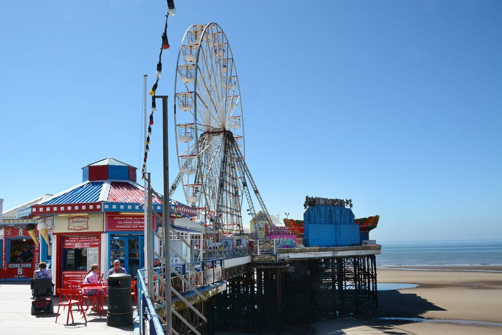 Looking along the right hand side of Central Pier