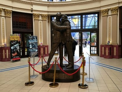 Morecambe & Wise Statue